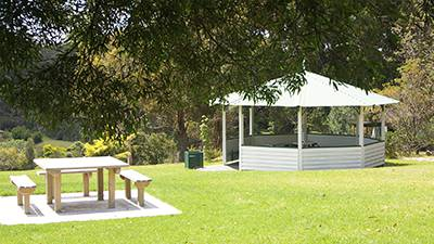 Enjoy a barbeque and picnic lunch in the gardens